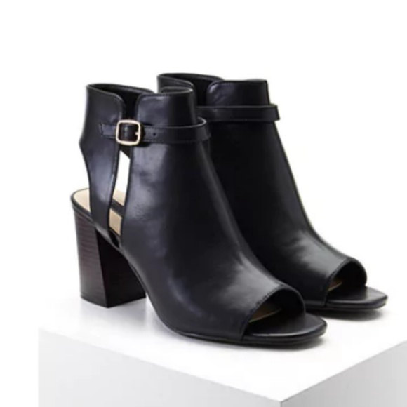 51ad4dec57c0 NWT Women s Black Faux Leather Cutout Booties